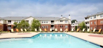 Outdoor pool at Fieldstone at Glenwood Crossing in Cincinnati, Ohio